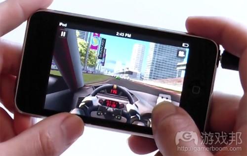 real_racing(from iphonefreakz.com)
