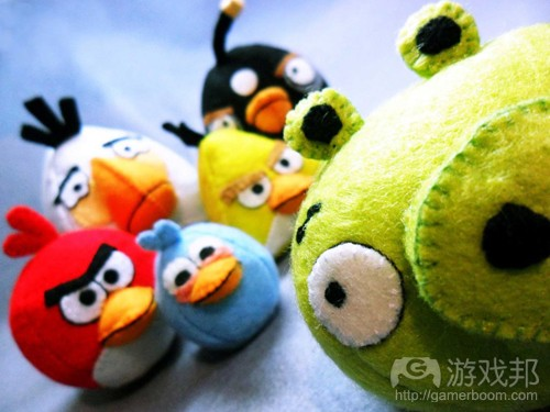 angry_birds_plush_toy(from gadgetsin.com)