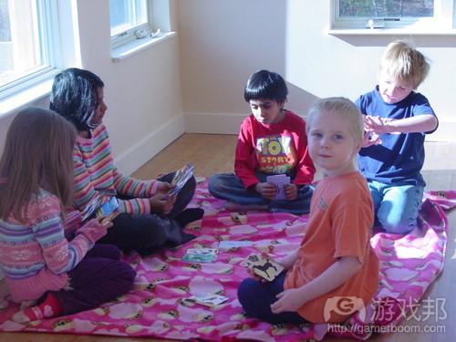 kids playing cards(from slatefamily.net)