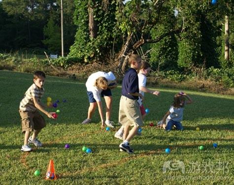 kids-playing-games(from kidsandtoys.edublogs)