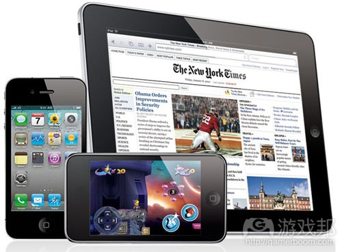 apple-ipad-iphone4(from digitaltrends)