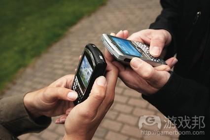smart-phone-use(from siliconrepublic)
