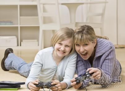 daughter_mom_video_game(from thereviewcrew.com)