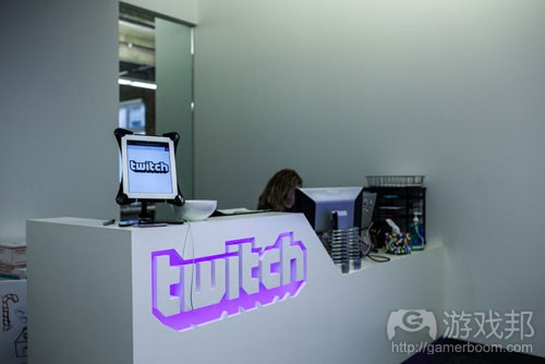 twitch-desk(from polygon)