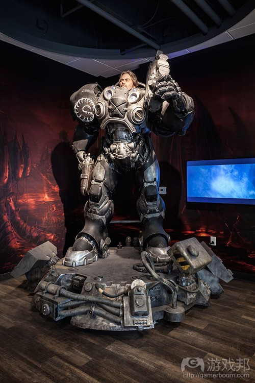 statue of Jim Raynor(from polygon)