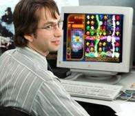 澳政客多米尼罗允许下属上班期间玩《宝石迷阵闪电战》