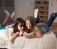 手机及社交游戏崛起,传统电子游戏机遇与挑战并行