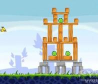 《愤怒的小鸟》复制了《城堡粉碎战》游戏理念?