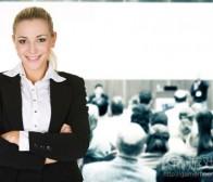 行业大会或公司应如何积极引进女性参与者?