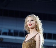 每日观察:关注Glu将推出歌手Taylor Swift版本手机游戏2.04